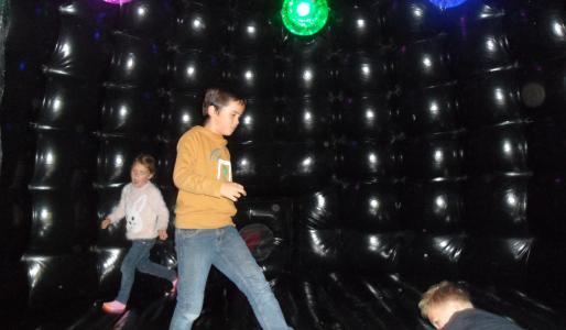 Disco springkasteel